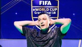Pro παίκτης FIFA 20 έφαγε ban από όλα τα games και τις υπηρεσίες της EA