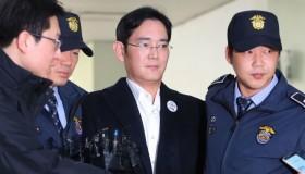 O αντιπρόεδρος της Samsung καταδικάστηκε σε πέντε χρόνια φυλάκιση
