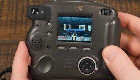 YouTuber παίζει DOOM σε ψηφιακή κάμερα του 1998