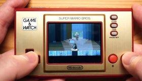 YouTuber παίζει Doom στο Nintendo Game & Watch