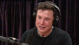 "Elon Musk για το Cyberpunk 2077: ""Τα τσιπάκια θα έρθουν σταδιακά"""